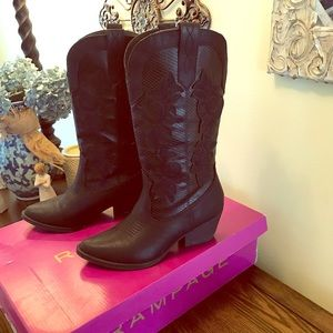 Rampage boots size 6